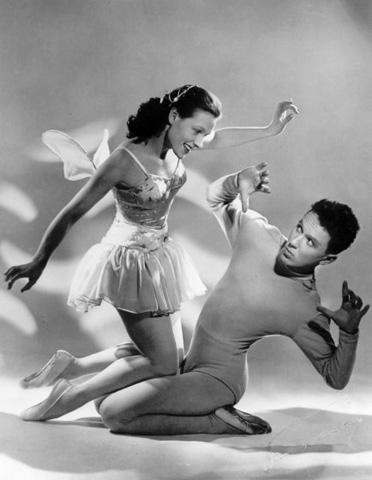 Pessi ja Illusia Heikki Värtsin ja Doris Laineen esittämänä. Kuva vuodelta 1952. Wikimedia Commons.